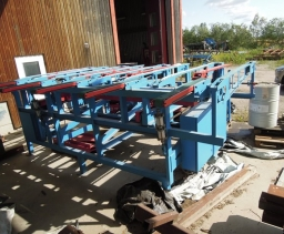Sawn timber stacker